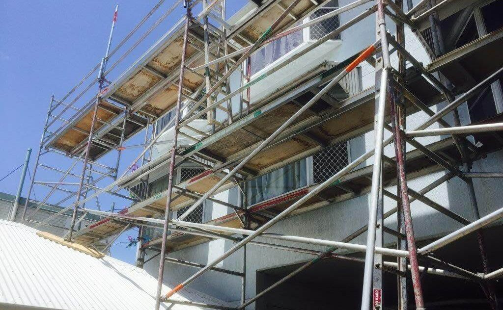 residential construction scaffolding photograph of a brisbane apartment block